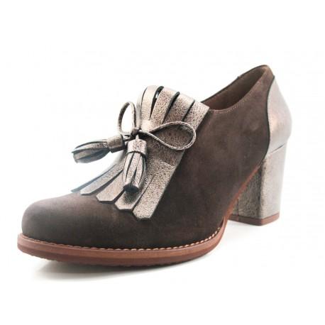 Zapato Giko abotinado marrón