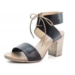 Sandalias tobilleras con tacón color negro